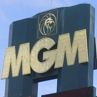 Read more about the article CEO of MGM: Online Gambling Necessary